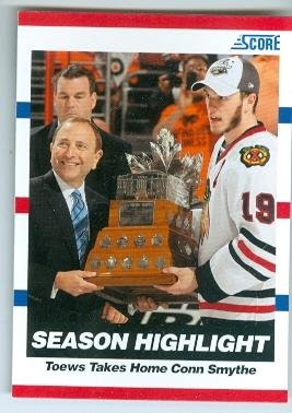Jonathan Toews hockey card (Chicago Blackhawks Stanley Cup Champion Conn Smythe MVP) 2010 Score #32
