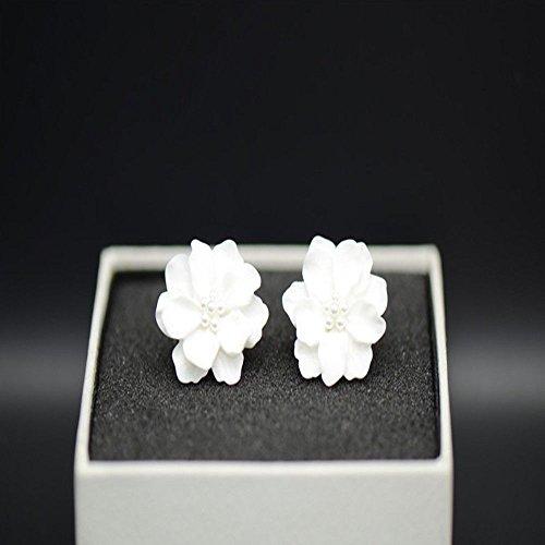 Phonphisai shop Elegant Gardenia Flower Shape Crystal Stud Earring Ear Stud Fashion Jewelry Gift Color White ()
