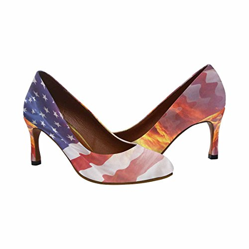 Bandiera Americana Delle Scarpe Della Pompa Del Vestito Dal Tacco Alto Di Interesse Della Donna Classica Di Interesse