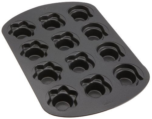 Wilton 12 Cavity Spring Crown Cupcake Pan- Discontinued By Manufacturer