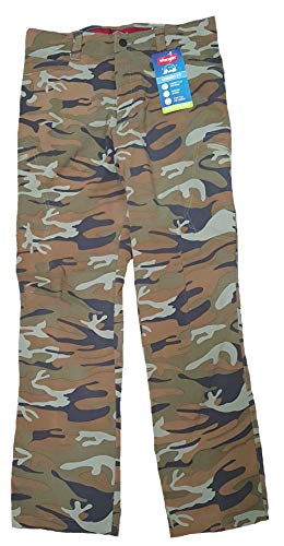 Wrangler Green Camo Outdoor Performance Comfort Flex Cargo Pants - 32 X 32