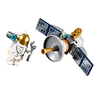 LEGO PolyBag Minifigure Set 30365 - Astronaut with Space Satellite 36 pcs: Toys & Games