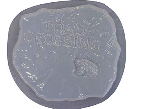Toad Crossing Stepping Stone Concrete Plaster Mold 1109