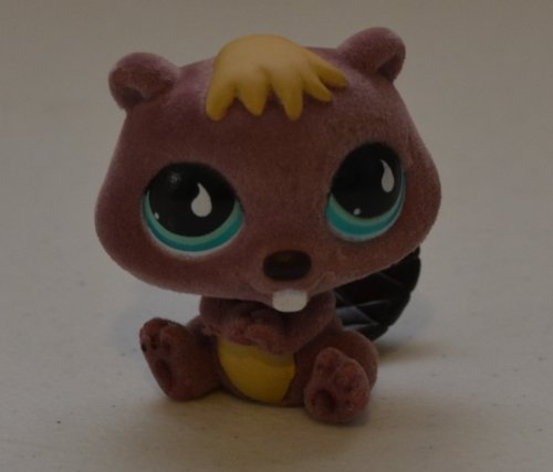 - Beaver #810 (Fuzzy) - Littlest Pet Shop (Retired) Collector Toy - LPS Collectible Replacement Figure - Loose (Oop Out of Package)
