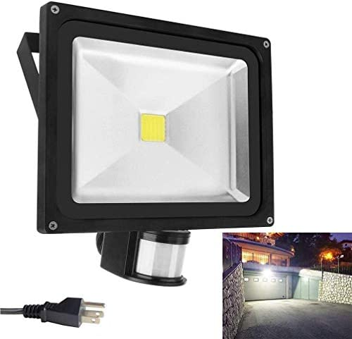 Motion Sensor Led Flood Lights 50w 4000LM Outdoor Security Floodlights IP66 Waterproof Auto ON Off Lamp for Garage Billboard Warehouse Stairs with a US 3-Plug 6500K AC86-265V
