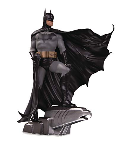 DC Designer Series: Batman by Alex Ross Deluxe Statue