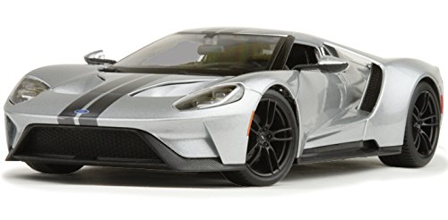 2017-ford-gt-silver-1-18-by-maisto-31384