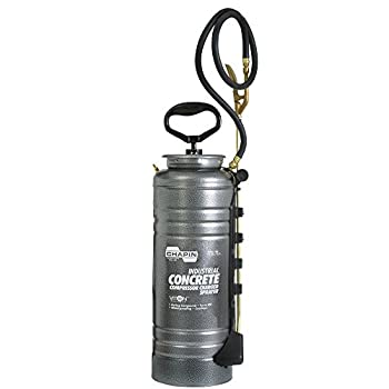 Image of Floor Cleaners Chapin 1999 3.5-Gallon Pump-Free Compresssor Charged Industrial Sprayer for Industrial Strength Chemicals, 3.5 Gallon (1 Sprayer/Package)