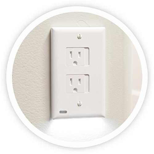 SnapPower SafeLight - Child And Baby Safety Power Outlet Wall Cover With LED Night Light - No Batteries Or Wires - Installs In Seconds - (Décor, White) (1 Pack)