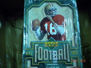 1992 UPPER DECK FOOTBALL FACTORY SEALED BOX !! 10 (Sealed Box Deck Factory Upper)