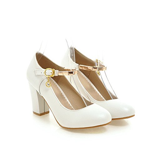 VogueZone009 Women's PU High-Heels Round Closed Toe Solid Buckle Pumps-Shoes White JPa0d