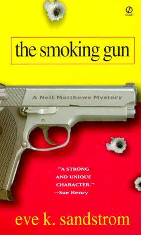 The Smoking Gun (Nell Matthews Mysteries)