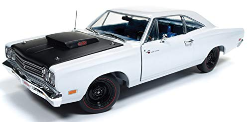 Price comparison product image 1969 Plymouth Road Runner Post Coupe White Hemmings Muscle Machines Limited Edition to 1002 Pieces Worldwide 1 / 18 Diecast Model Car by Autoworld AMM1147