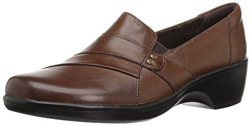 CLARKS Women's May Marigold Slip-On Loafer, Brown Smooth, 6 M - Seating True