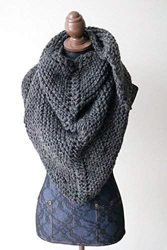 Amazon Com Knitted Knit Triangle Scarf Bandanna Scarf Shoulder