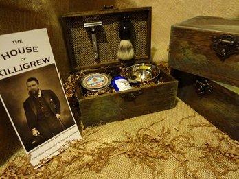 Gentlemen's Vintage Shaving Razor and Brush anniversary gift for men gift kit (Herringbone, The Hunt)