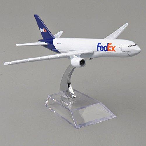 1:300 FedEx Boeing 777-FS2 Scale Metal Model Aircraft
