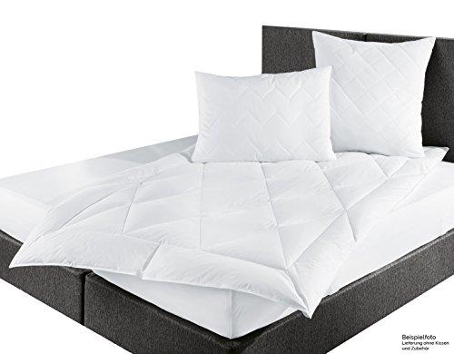 ZOLLNER® Premium Daunendecke / Daunen Bettdecke 135x200 cm vom Hotelwäschehersteller, Serie