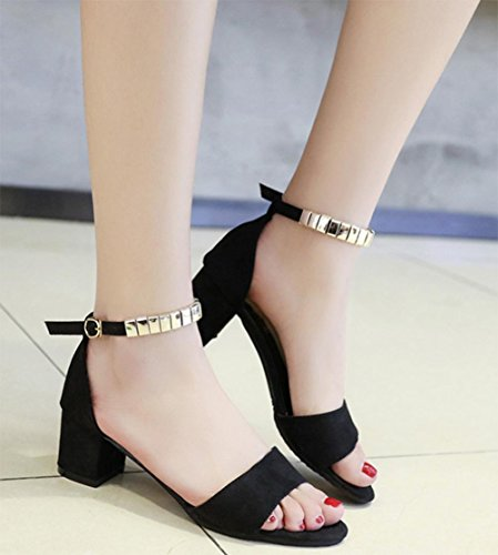Sommer Sandalen mit dem Wort, wo die raue mit Sandalen black