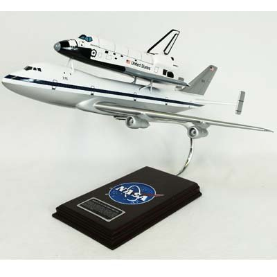 Mastercraft Collection Boeing NASA B747 with Shuttle Model Scale:1/144
