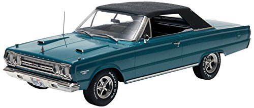 GreenLight Artisan Collection Tommy Boy (1995) 1967 Plymouth Belvedere GTX Convertible Vehicle (1:18 Scale) -