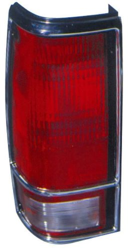 Depo 332-1920R-USN1 Chevrolet Blazer/GMC Jimmy Passenger Side Replacement Taillight (Gmc Jimmy Passengers Side Tail)