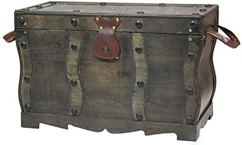 Amazon Com Vintiquewise Antique Style Distressed Wooden Pirate Treasure Chest Coffee Table Trunk Furniture Decor