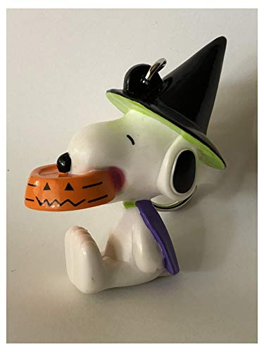 (Whitman's Snoopy in Witch's Hat with Orange Dog Dish Keychain)