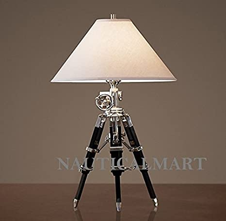 Merveilleux ROYAL MARINE TRIPOD TABLE LAMP
