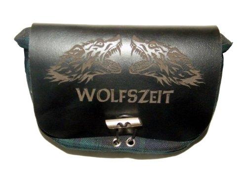 """Grüne Kilttasche / Gürteltasche """"Wolfszeit"""" mit schwarzem Leder und Gravur"""