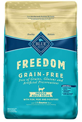 Blue Buffalo Freedom Grain Free Natural Indoor Adult Dry Cat Food, Fish ()