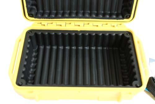 Wasserdichte UK UltraBox 206 gelb mit Gummipolsterung