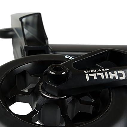 Chilli Pro Scooter C5/53, color: Black/Black, Street Deck 53 x 11 cm, ruedas 110 mm, ligero y agradable 3,8 kg Patinete Stunt: Amazon.es: Deportes y aire ...