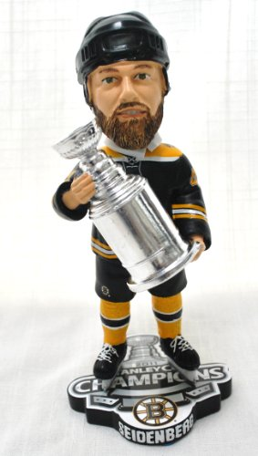 BOSTON BRUINS DENNIS SEIDENBERG #44 NHL OFFICIAL 2011 STANLEY CUP TROPHY CHAMPIONSHIP BOBBLEHEAD BOBBLE