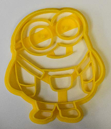 DESPICABLE ME MINION CARTOON CHARACTER FONDANT BAKING TOOL COOKIE CUTTER USA PR427]()