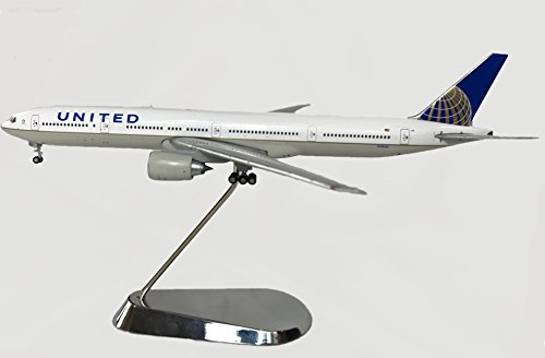 United Airline Boeing B777-300ER Diecast Airplane Model N58031 With Chrome Stand 1:400 Scale Part# GJUAL1605.