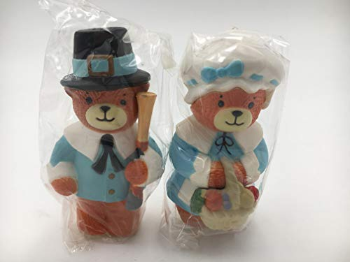 (Lucy & Me Series (Enesco) **Bears Dressed as Pilgrims Salt & Pepper Shaker ** 475009)
