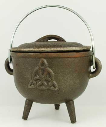 Wood Burning Fireplace Accessories Cauldrons Triquetra Cast Iron Three Legged with Handle and Lid 4 1/2'' by AzureGreen (Image #1)