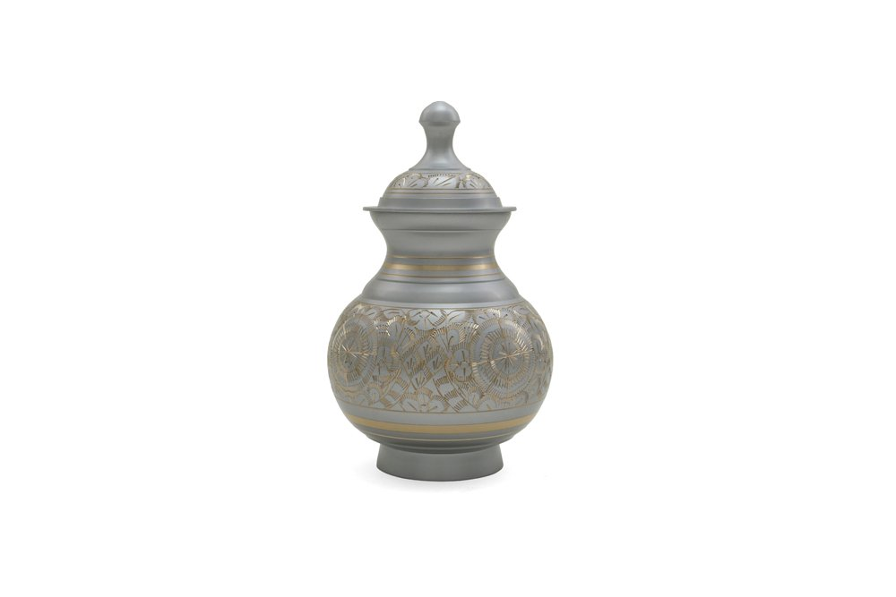 Near & Dear Pet Memorials 25 Cubic Inch Engraved Pet Cremation Urn, Small, Silver