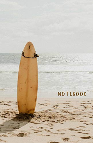 Notebook: Dotted grid Journal. Bullet Diary. Ideal for Notes, Memories, Journaling, Creative planning and Calligraphy practice. 120 Pages. Portable. ... (Surfboard, sandy beach. Soft matte cover). por Water lily notebooks