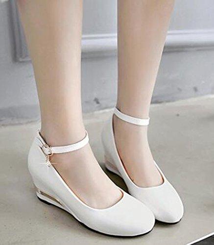 Idifu Womens Comode Scarpe Con Cinturino Alla Caviglia E Cinturino Con Pendente Bianco