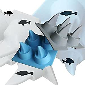 JIAO- Shark Ice Mould Silicone Ice Cubes Tray Pudding Jelly Mold 4x4x2inch (Random Color)