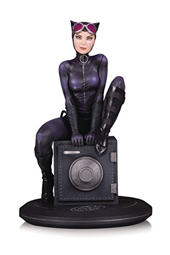 DC Collectibles DC Cover Girls: Catwoman by Joelle Jones Resin Statue