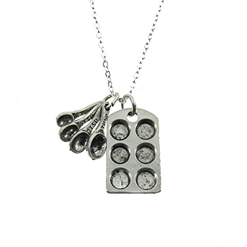 Muffin Pan Measuring Spoon Necklace product image