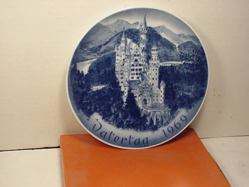 Father's Day Plate 1969 -- Bareuther-- Bavarian Porcelain -- Castle Neuschwanstein