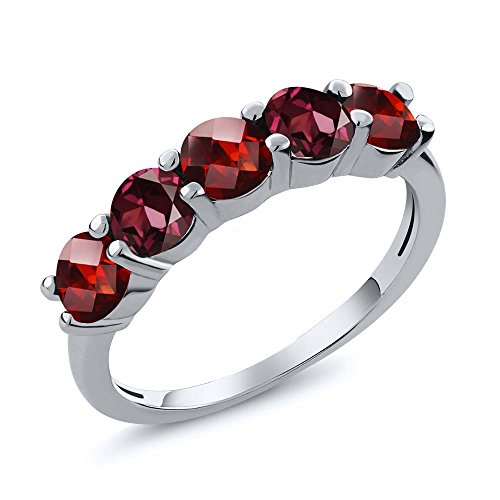 Gem Stone King 1.19 Ct Round Checkerboard Red Garnet Rhodolite Garnet 925 Sterling Silver Wedding Band Ring (Size 7)