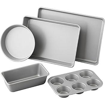 Amazon Com Amazonbasics 6 Piece Bakeware Set Kitchen