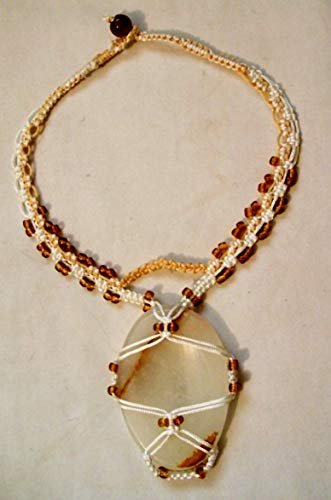 Choker Onyx - White And Gold Beaded Macrame Choker Necklace With Veined White Onyx Pendant