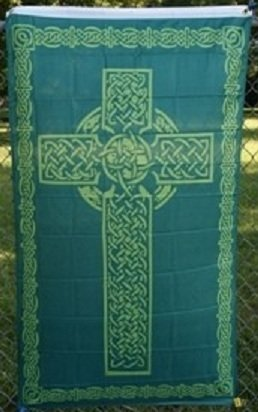 Amazoncom IRISH CELTIC CHRISTIAN CROSS 36x60 Banner Flag