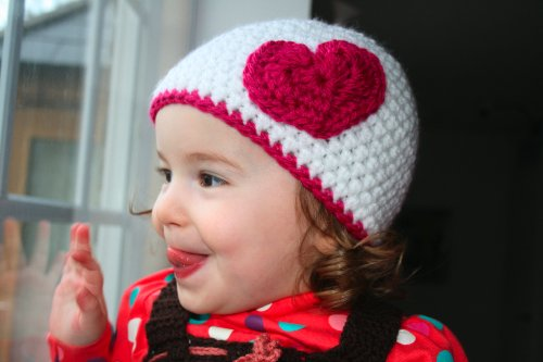 Crochet pattern hat with heart applique (33) includes 4 sizes from newborn to adult (Crochet hats Book 1)